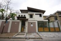 Rolling Hills New Manila Quezon City House and Lot for Sale