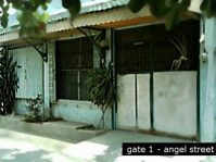 House and Lot for Sale Las Pinas City with Garage, Garden