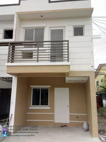 Townhouse For Sale In Mindanao Ave