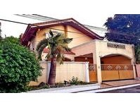 BF Homes, Las Pinas City House & Lot for Sale 011906