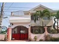 Cabanatuan City, Nueva Ecija House & Lot For Sale 011902
